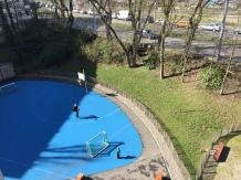 Der Blaue Platz wird sehr intensiv zum Fussball spielen genutzt